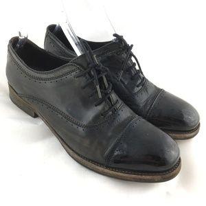 Oxford dress shoe distressed black leather cap toe